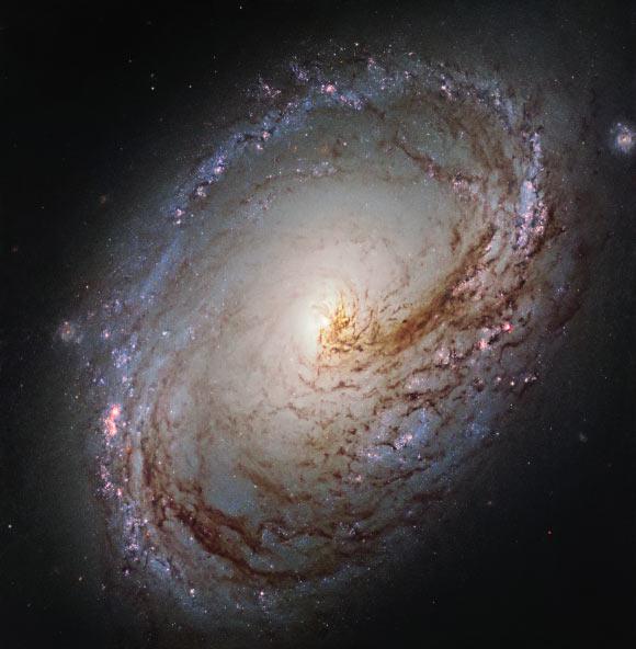 Hubble-galaxy-Messier-96