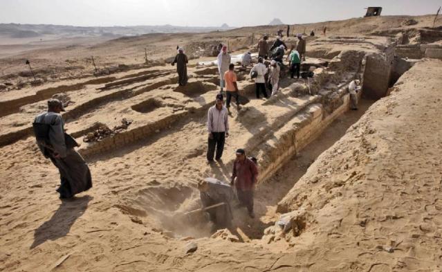 Abusir-excavation-site